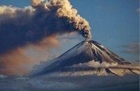 На Камчатке вулкан Кизимен выбросил пепел на высоту до 5,9 км