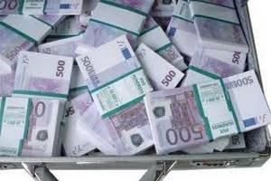 Латвия стала 18-й участницей зоны обращения евро