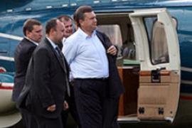 Янукович повісив витрати за власний вертоліт на платників податків