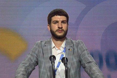 У активиста молодежной организации партии Порошенко устроили обыск из-за видео с Зеленским и КамАЗом