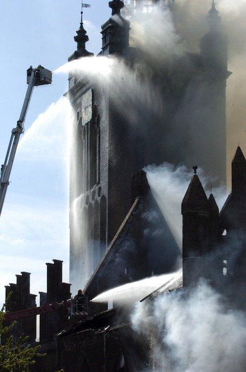 Пожежа в церкві св. Катерини в Ґданську, 2006