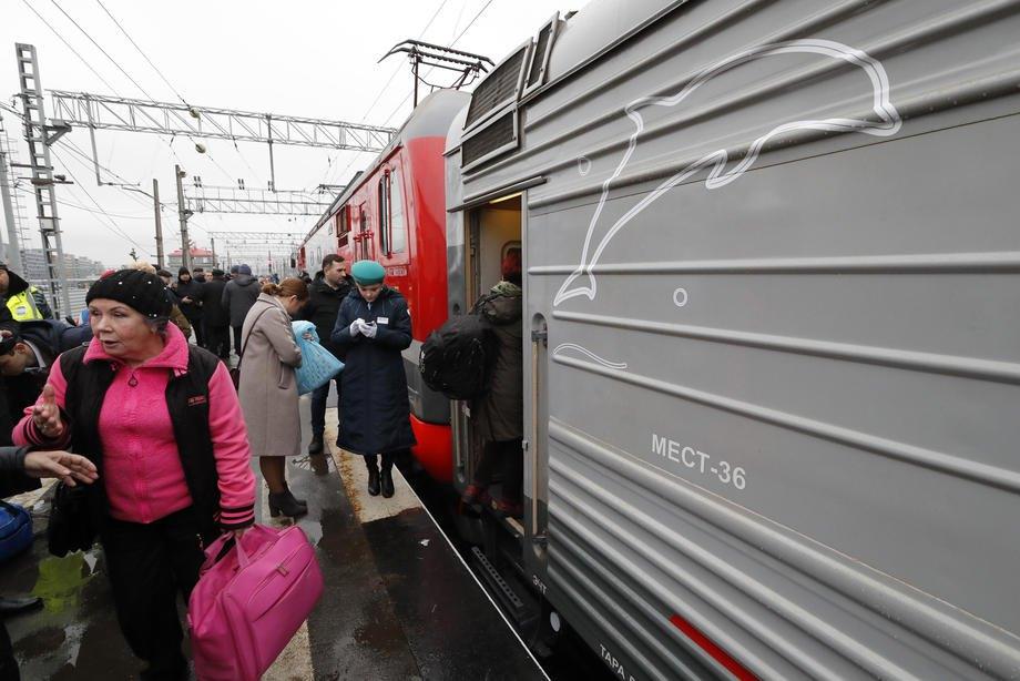 Пассажиры поезда Таврия, который отправляется в Севастополь с Санкт-Петербурга, 23 декабря 2019 г.
