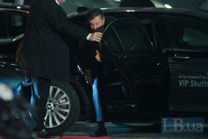Янукович решил не общаться с журналистами в Вильнюсе