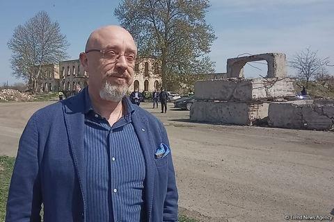 Украинский вице-премьер посетил возвращенный Азербайджаном город в Нагорном Карабахе