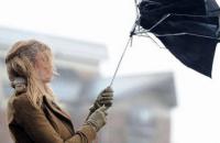У вівторок в Україні значні дощі та сильний вітер