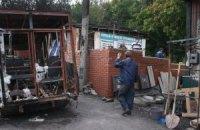 В Донецке снаряд уничтожил жилой дом