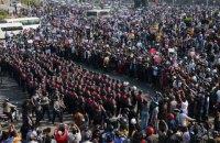 В Мьянме десятки тысяч людей вышли на протест из-за военного переворота