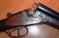 60-летняя одесситка добровольно сдала в милицию девять ружей и револьвер