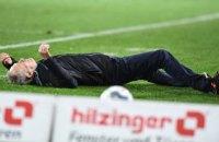 """У матчі Бундесліги зав'язалася бійка після того, як гравець """"Айнтрахта"""" вдарив головного тренера """"Фрайбурга"""""""
