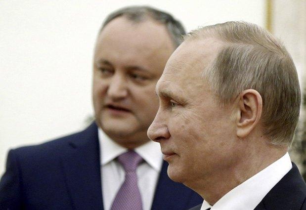 Игорь Додон и Вдадимир Путин во время встречи в Москве, 17 марта 2017 г