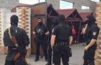 У Мукачеві спецпризначенці зі стріляниною затримали наркоторговців