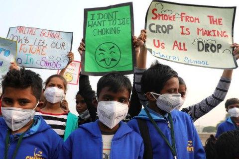 В столице Индии из-за смога объявлена чрезвычайная ситуация