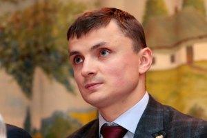 В Тернополе украли и сдали на макулатуру 40 тыс. газет с отчетом нардепа