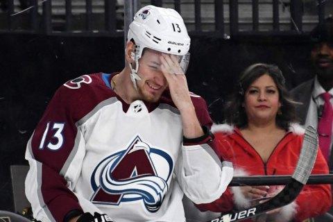 В НХЛ хоккеист забил гол головой