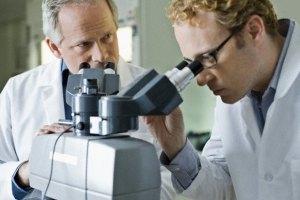 Вчені вважають, що хвороба Альцгеймера може бути заразною