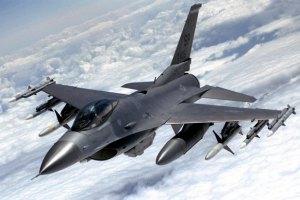 Данія відправить у Прибалтику шість винищувачів F16
