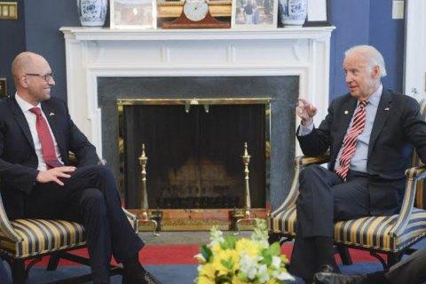 США готові надати Україні допомогу у проведенні судової реформи, - Яценюк