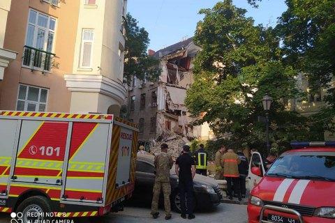 В Одессе обвалилась часть жилого четырехэтажного дома