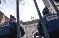 Макрон б'є по ісламу. Ризиковий хід перед виборами