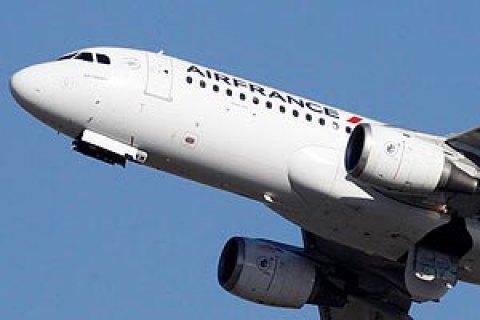 Франція з 2020 року запровадить екологічний збір на авіаквитки