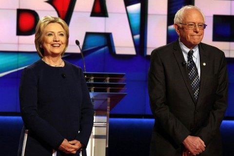 Берни Сандерс призвал своих сторонников поддержать Клинтон