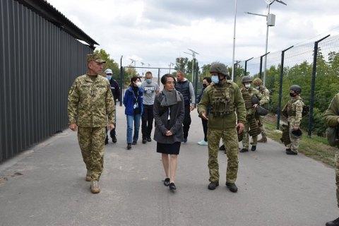 Генконсул Німеччини в Донецьку відвідала зону ООС