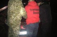 Украинец, дважды получив отказ в ввозе нерастаможенного авто, прорвался через границу на Закарпатье