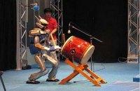 Японцы пообещали научить робота ходить по песку