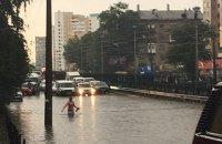 Киев снова подтопило из-за сильного ливня, остановился скоростной трамвай