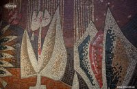На бульваре Леси Украинки рекламой закрыли мозаичное панно 60-х годов