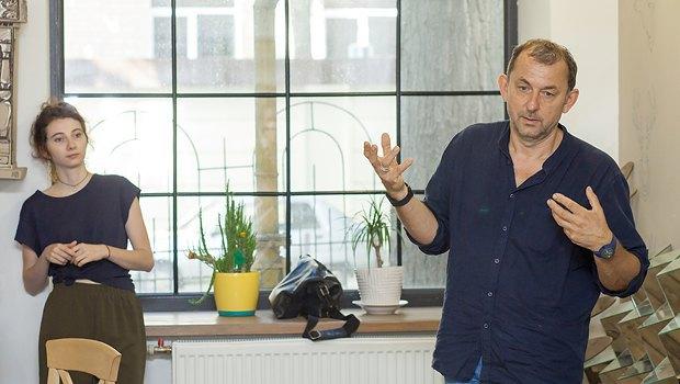 Павло Маков виступає у майстерні графіки