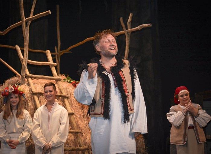 Ярослав Кіргач в головній ролі вистави «Украдене щастя»