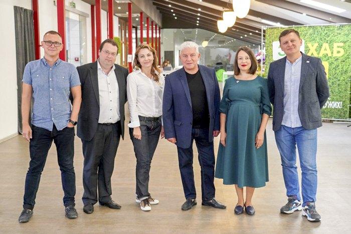 Олег Филимонов официально представил свою команду и предвыборную программу в информационно-креативном пространстве «Зе!Хаб» 24 сентября 2020.