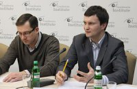 Россия хочет создать в Крыму точку опоры для пророссийского протеста, - Лещенко