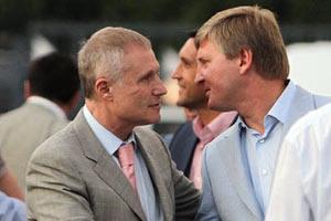 """Ахметов: """"Пожелал Суркису, чтобы он и на Евро-2012 ходил с палочкой"""""""