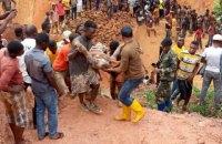 У ДР Конго обвалилась шахта, де видобували золото, загинули 50 осіб