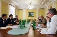 Порошенко предложил Раде отменить е-декларации для членов антикоррупционных ОО