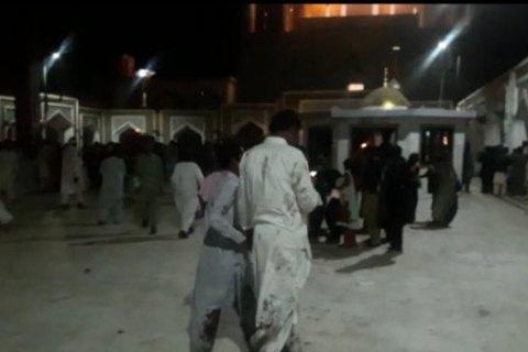 В Пакистане при взрыве в храме погибли десятки человек