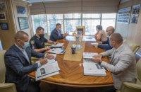 """Аваков провів зустріч """"off the record"""" щодо розслідування підпалу авто програми """"Схеми"""""""