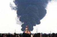 Пожар на нефтехранилище в Триполи вышел из-под контроля