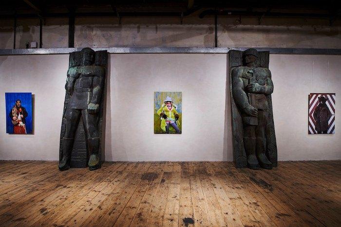 Работы из серии «Маланка» Геры Артемовой и части декоммунизированного Монумента боевой славы из Львова