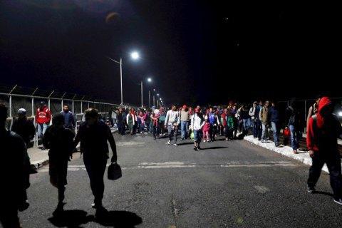 Верховний суд США дозволив Трампу відмовляти в притулку мігрантам з Мексики