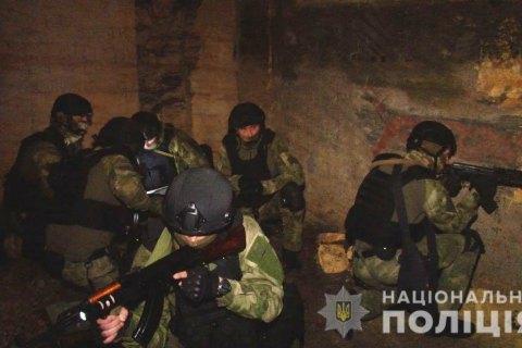 """Поліцейська спецгрупа """"Мангуст"""" пройшла """"курс виживання"""" в одеських катакомбах"""