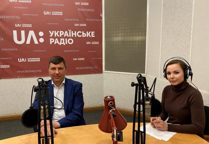 Андрій Пляцко, в.о. начальника ДАЗВ (ліворуч)