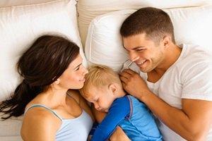 Детям разрешили спать вместе с родителями
