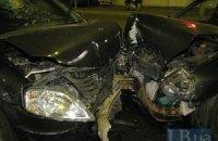 ДТП в Киеве: Renault протаранил Daewoo Lanos на Харьковском массиве