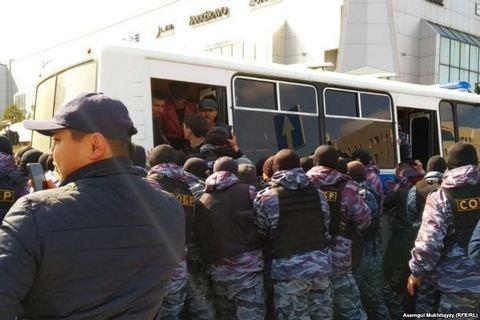 У Казахстані пройшли масові затримання на акціях за бойкот виборів