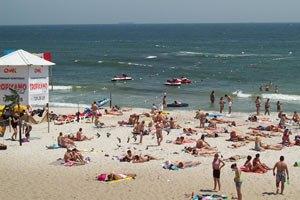 На пляжах Одессы устанавливают щиты с информацией об утопленниках