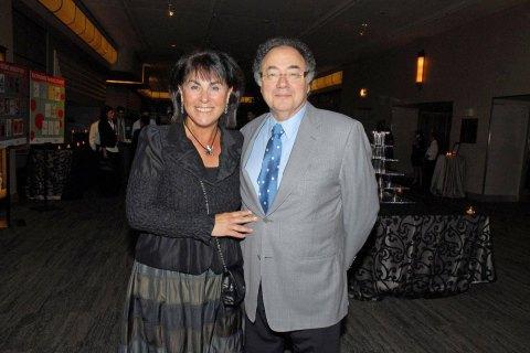 Канадского миллиардера и его жену нашли мертвыми в подвале их дома