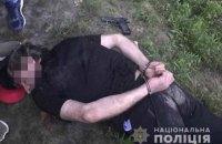 Поліція зі стріляниною затримала групу озброєних бандитів, які пограбували водія під Києвом